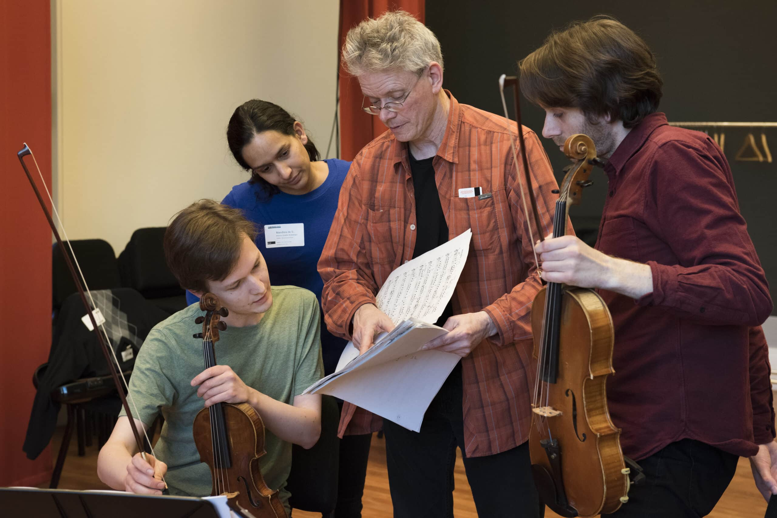 Kronos' David Harrington coaching at Carnegie Hall's Weill Music Institute in 2016, credit Stefan Cohen