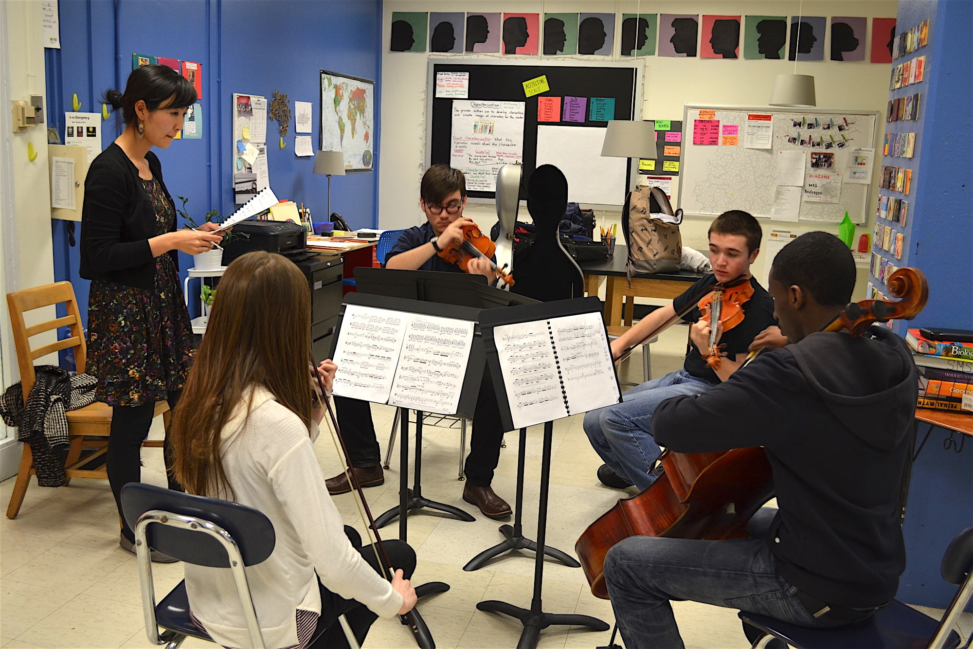Kronos Quartet's Sunny Yang coaches students at the Kaufman Music Center's Face the Music